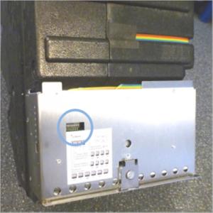 DIP-Schalter unter der Frontplatte des Lüftungssystems freeAir 100