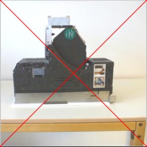 Lüftungsgerät freeAir 100 nicht auf die Frontplatte legen