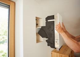 Die jährliche Wartung eines Lüftungsgerätes von bluMartin beschränkt sich auf 10 Minuten Arbeitsaufwand und kann selbständig durchgeführt werden.