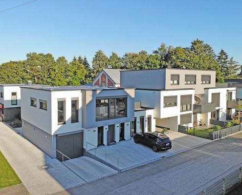 Mehrfamilienhaus mit Mietwohnungen und Büro des Architekten R. Beck